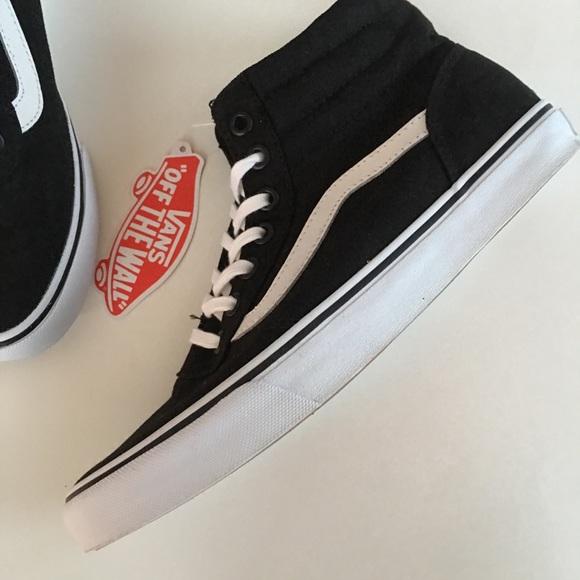 901212035359 NEW VANS black white high top sneaker off wall 6.5